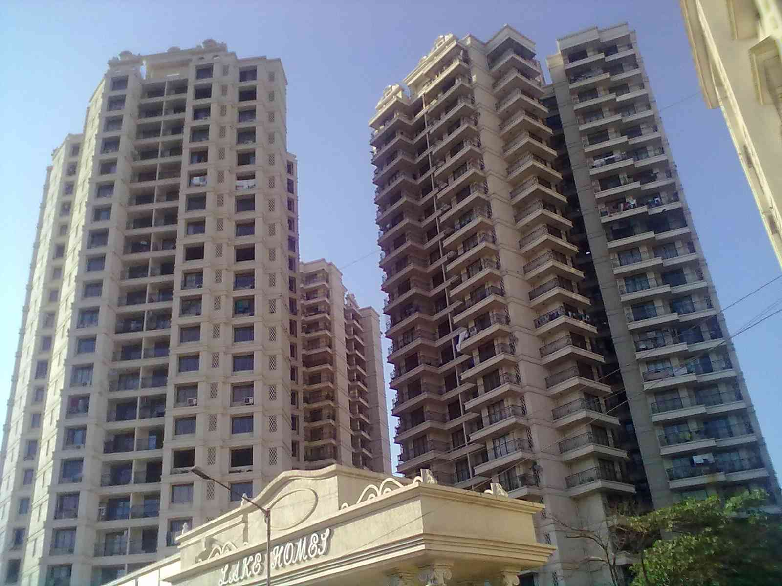 2 BHK Flats & Apartments for Rent at Chandivali, Mumbai Central